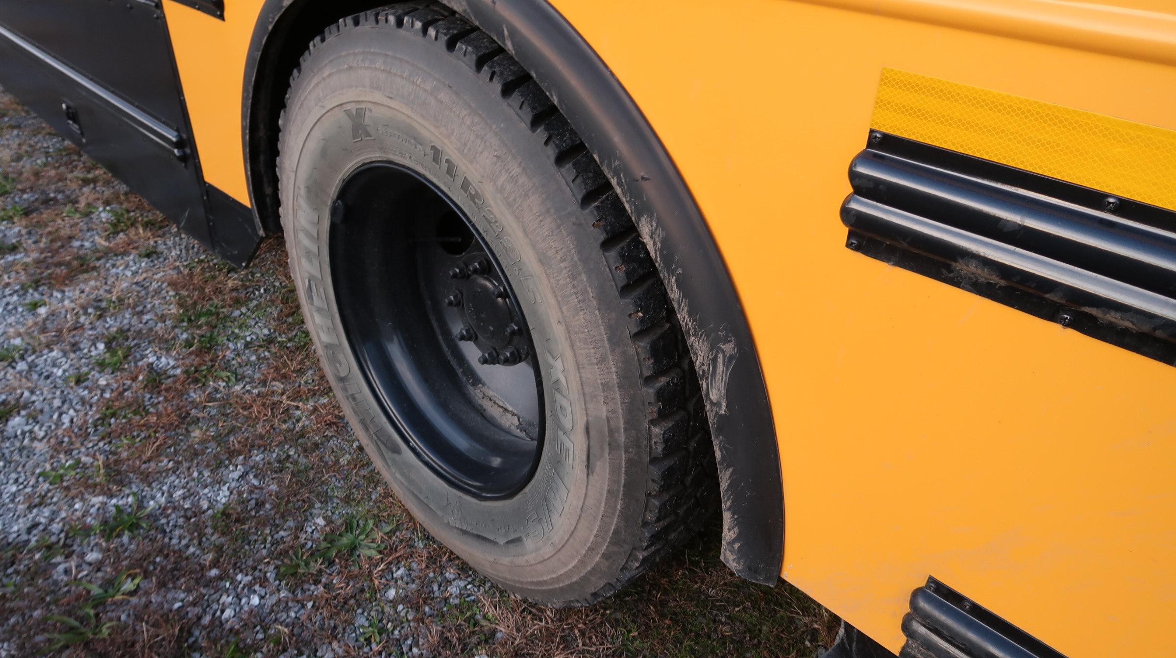 tires in good condition bus for sale